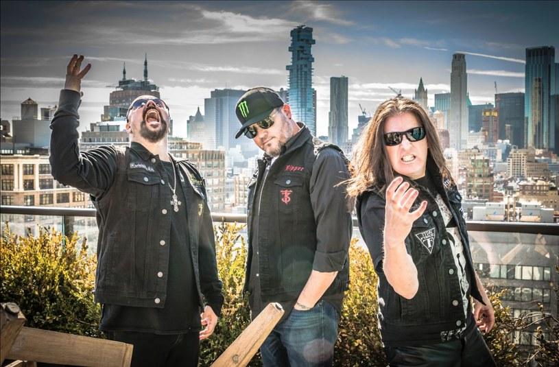 Amerykański projekt The Three Tremors przygotował drugą płytę.