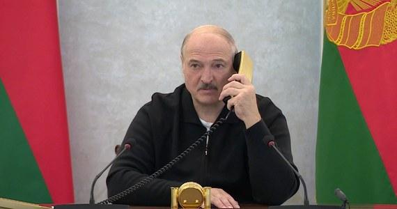 """Wzywając rodaków do mobilizacji w warunkach """"konfrontacji geopolitycznej"""" i sankcji gospodarczych, Alaksandr Łukaszenka ostrzegł, że Polacy chcą zająć Białoruś. W ten sposób białoruski polityk zagrzewał kolektyw zrzeszenia spółdzielców do umacniania gospodarki."""
