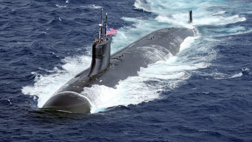 Pentagon ujawnił, że jeden z amerykańskich okrętów podwodnych zderzył się w Azji z nieznanym obiektem. Sytuacja na Morzu Południowochińskim coraz bardziej zaognia się. Eksperci uważają, że wojna wisi na włosku.