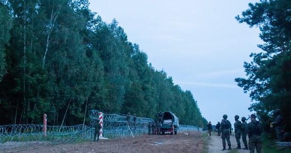 W piątek strażnicy graniczni odnotowali 553 próby nielegalnego przekroczenia granicy z Białorusi do Polski. Zatrzymali ośmiu nielegalnych imigrantów, w tym czterech obywateli Iraku - poinformowała w sobotę Straż Graniczna.