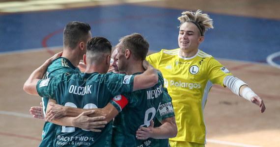 W 5. kolejce STATSCORE Futsal Ekstraklasy dojdzie do prawdziwego hitu. Mistrzowie Polski, Rekord Bielsko-Biała, podejmą rewelację początku sezonu, Legię Warszawa. Czeka nas zatem starcie dwóch niepokonanych jeszcze zespołów.