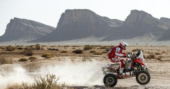 Rafał Sonik w pierwszym etapie Rajdu Maroka wywalczył czwartą lokatę i zajmuje piąte miejsce w klasyfikacji generalnej imprezy. Sobotnie ściganie na odcinku liczącym 288km były wymagające, zróżnicowane i pełne nawigacyjnych pułapek.