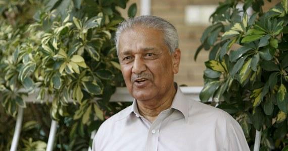 W wieku 85 lat zmarł w Islamabadzie Abdul Qadeer Khan uważany za ojca pakistańskiego programu nuklearnego - podały media w tym kraju. W latach 2004-2009 Khan przebywał w areszcie domowym, gdy okazało się, że przekazał dane technologiczne Iranowi, KRLD i Libii.