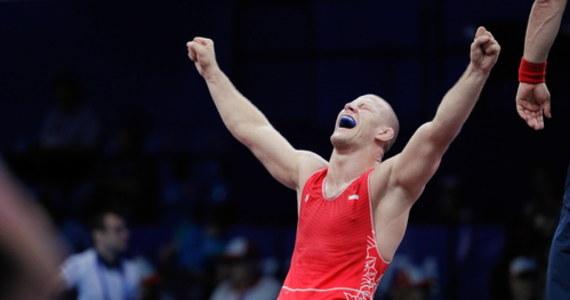 Arkadiusz Kułynycz (RCSZ Olimpijczyk Radom) został w Oslo brązowym medalistą zapaśniczych mistrzostw świata w stylu klasycznym w wadze 87 kg. W decydującym pojedynku Polak położył na łopatki w drugiej rundzie Węgra Istvana Takacsa prowadząc do tego momentu 5:2.
