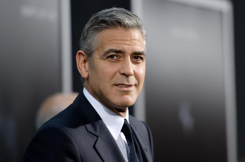George Clooney postanowił odnieść się do medialnych spekulacji, według których w niedalekiej przyszłości planuje rozpocząć karierę polityczną. Aktor zdradził, że nie zamierza marnować czasu na kampanię wyborczą - woli spędzić go z rodziną.
