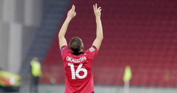 Drużyna Albanii osłabiona przed wtorkowym meczem z Polską w eliminacjach mistrzostw świata 2022. W spotkaniu w Tiranie nie zagra Sokol Cikalleshi. Napastnik ma pozytywny wynik testu na Covid-19.