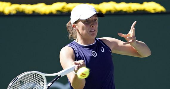 Iga Świątek i Amerykanka Bethanie Mattek-Sands przegrały z rozstawionymi z numerem drugim Su-Wei Hsieh z Tajwanu i Belgijką Elise Mertens 6:1 4:6, 8-10 w drugiej rundzie prestiżowego turnieju tenisowego WTA w Indian Wells.