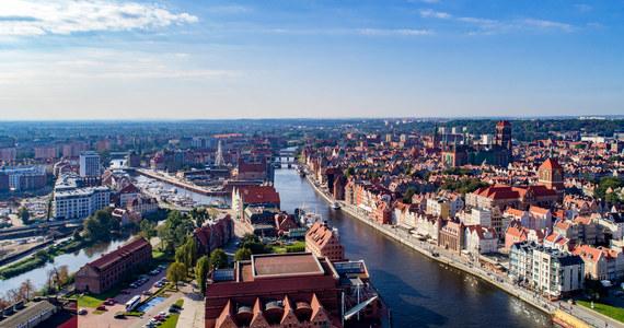 Bazylika Mariacka i ulica Długa w Gdańsku, a także śródmieście w Gdyni mogą znaleźć się pod wodą. Naukowcy opublikowali najnowsze symulacje dotyczące wzrostu poziomu mórz i oceanów, który jest skutkiem zmian klimatu.