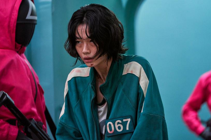 """Serial """"Squid Game"""" nieoczekiwanie stał się hitem Netflixa. Czy południowokoreańska produkcja o tajemniczej i brutalnej grze będzie inspiracją dla fanów mody? Niewykluczone. Fani czekają również na 2. sezon."""