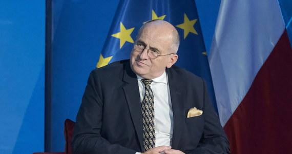 Minister spraw zagranicznych Zbigniew Rau na kilka tygodni ogranicza swoją aktywność. Jak podał resort, taka decyzja uzasadniona jest względami zdrowotnymi.