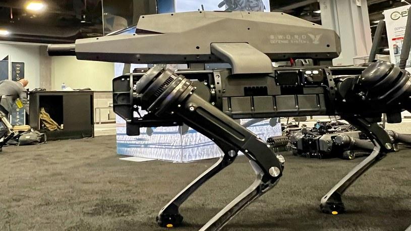 Firmy zajmujące się rozwijaniem technologii robotów od lat zapowiadały, że tego typu urządzenia są tworzone z myślą o pokojowych zamiarach i pomaganiu nam w codziennym życiu. Niestety, to były bajki.