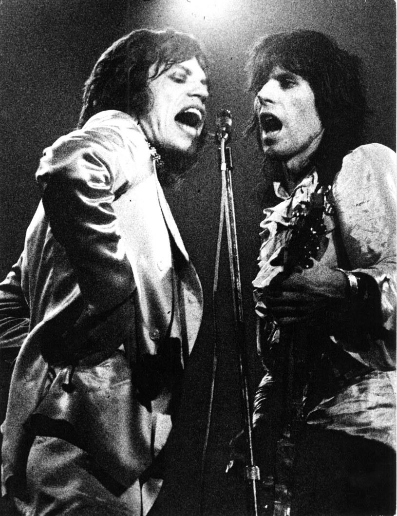 """Zespół The Rolling Stones usunął z listy utworów granych na koncertach piosenkę """"Brown Sugar"""" z powodu kontrowersji związanych z jej tekstem, który nawiązuje między innymi do niewolnictwa - poinformował brytyjski dziennik """"The Times""""."""