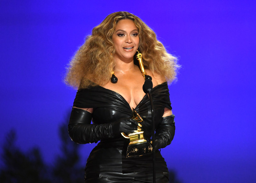 Na Instagramie Beyonce pojawiło się kilka nowych zdjęć, od których ciężko oderwać wzrok. Fani zachwycają się w komentarzach.