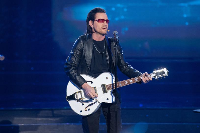 """W najbliższym, szóstym już odcinku show """"Twoja Twarz Brzmi Znajomo"""" Robert Janowski zachwyci wszystkich swoim wykonaniem utworu """"One"""" zespołu U2."""