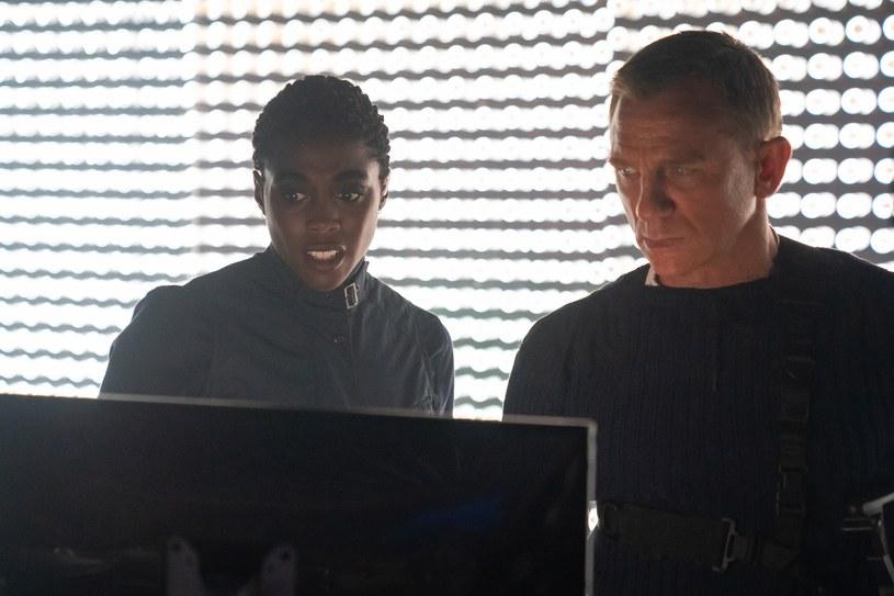 """Dziś milion siódmy widz obejrzał najnowszy film z Bondowskiej serii - """"Nie czas umierać"""". Przypomnijmy, że w pierwszy weekend wyświetlania film zebrał rekordową widownię - przeszło 440 tys. osób, co było najlepszym wynikiem w kinach w Polsce od początku pandemii. 1000007 widzów przygód agenta 007 to oczywiście jeszcze nie koniec, bo przed nami trzeci weekend, odkąd film jest na ekranach."""