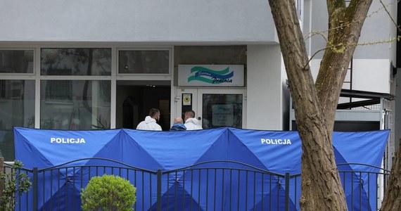 Sąd nie umorzył sprawy 37-latka oskarżonego o zabójstwo w pralni na warszawskim Gocławiu - przekazała prokurator Katarzyna Skrzeczkowska z Prokuratury Okręgowej Warszawa-Praga. Umorzenia chciała prokuratura. Śledczy powoływali się na opinię biegłych, zgodnie z którą w chwili zdarzenia sprawca był niepoczytalny.