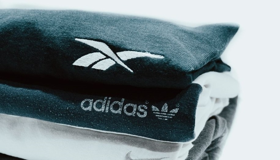 Produkty marki Adidas i Reebok.