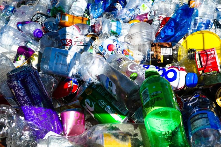 Carrefour oferuje e-bony na zakupy w zamian za butelki zwrotne