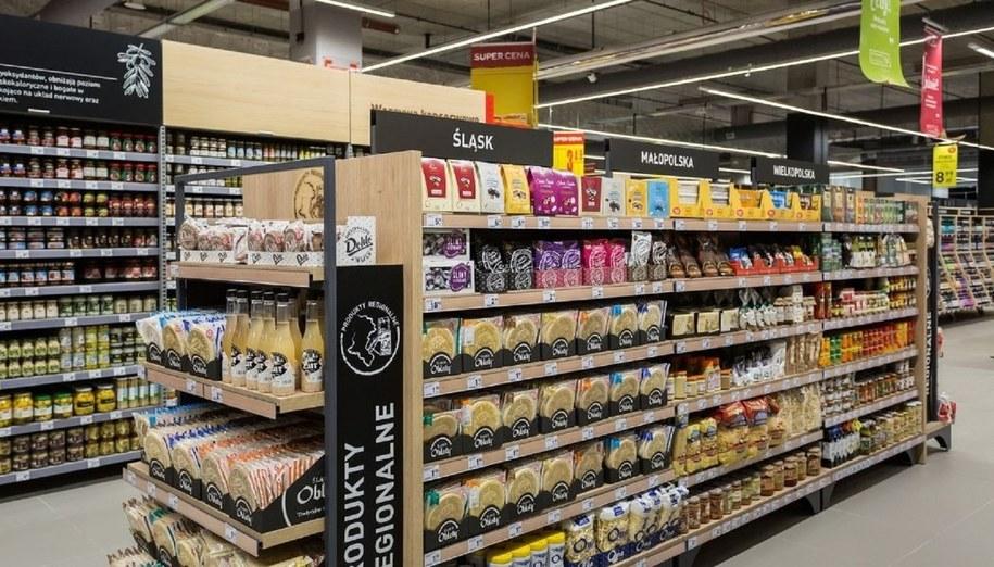 Carrefour Polska ominie zakaz handlu.
