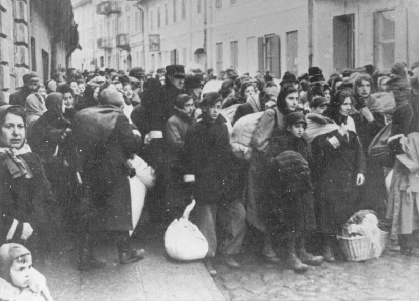 1,5 mln polskich dzieci po II wojnie światowej było sierotami, półsierotami, a także dziećmi opuszczonymi /Getty Images