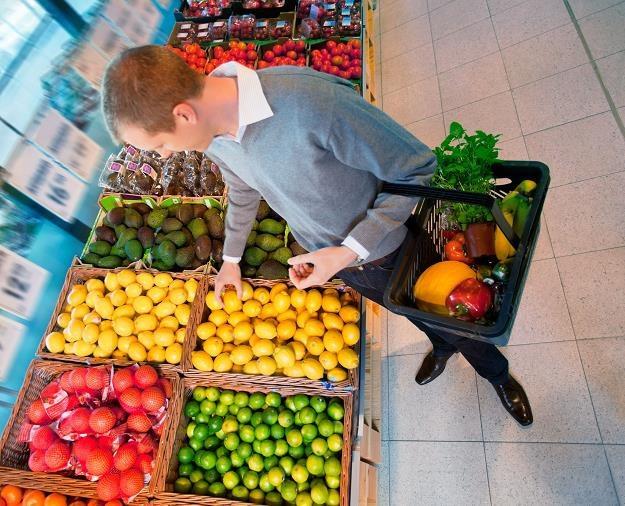 1,9 mld zł więcej ze sklepów i 270 mln zł mniej z CIT /©123RF/PICSEL