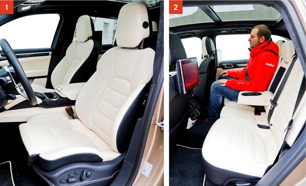 [1] Elektrycznie sterowane sportowe fotele z pamięcią ustawień są seryjne w Turbo S (dwukolorowa skóra także). Są wygodne i świetnie trzymają w łukach. [2] Miejsca w obu rzędach nie brak – nawet gdy zamówi się szklany dach. Dwa dotykowe ekrany 10'' z tyłu kosztują dodatkowo niemal 16 tys. zł. /Motor