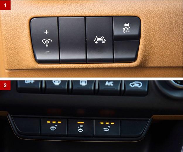[1] Po lewej stronie za kierownicą kryje się panel z regulacją podświetlenia zegarów oraz włącznikami asystenta pasa ruchu i układu ESP. [2] Podgrzewana kierownica, fotele i kanapa kosztują 3500 zł (w pakiecie z biksenonowymi światłami). /Motor