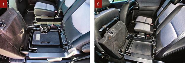 """[1] Poduszka środkowego fotela schowana w """"kuwetę"""" pod lewym siedziskiem. [2] Wersja siedmioosobowa - środkowe miejsce jest wyraźnie węższe niż inne. /Motor"""