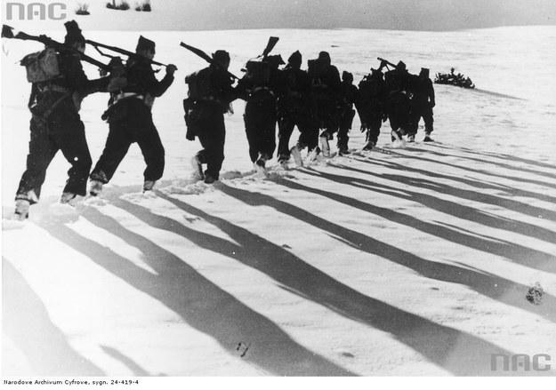 1 Samodzielna Kompania Commando - działania nad rzeką Sangro. Patrol komandosów - zima 1943-44 (Pescopennataro) /Z archiwum Narodowego Archiwum Cyfrowego