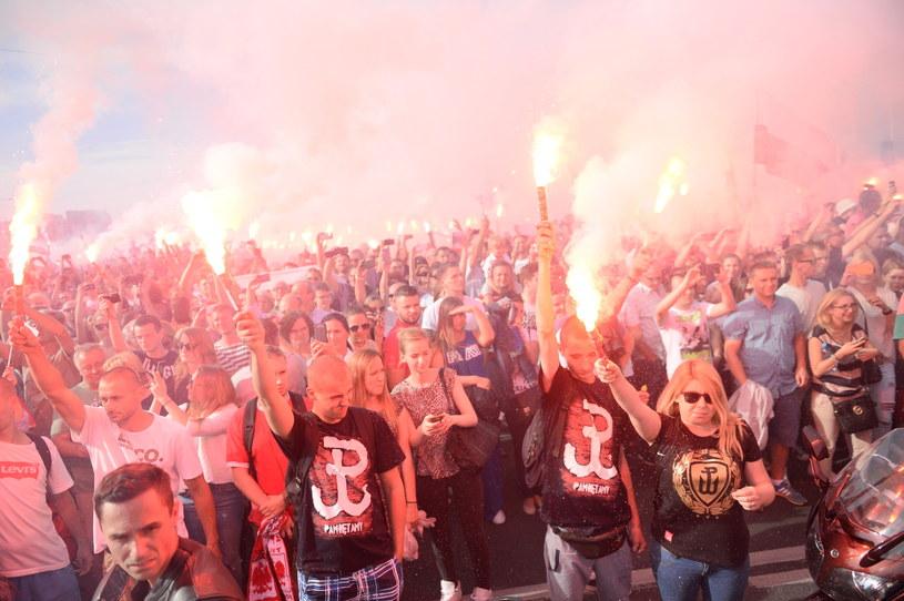 1 sierpnia br. o godzinie 17, godzinie w której rozpoczęło się powstanie warszawskie, w całej stolicy oddano hołd jego uczestnikom /Bartłomiej Zborowski /PAP