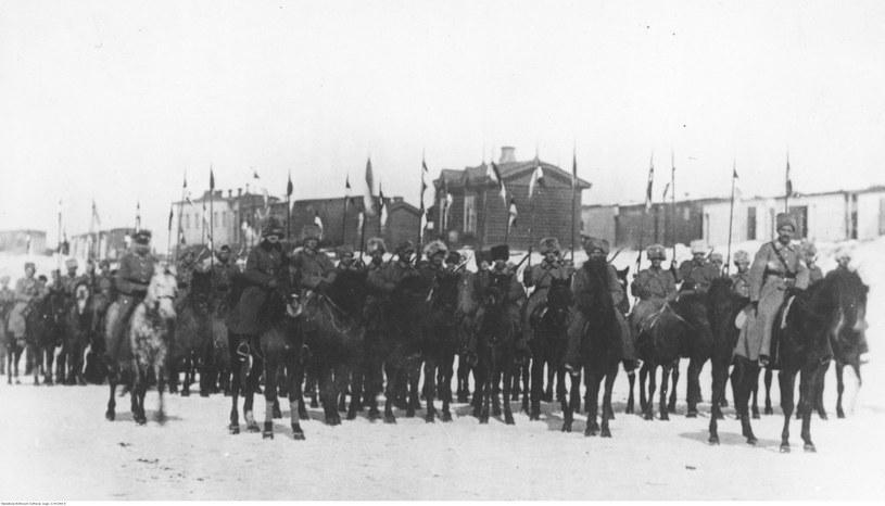 1 Szwadron Ułanów 5 Dywizji Strzelców Polskich w Nowonikołajewsku, 1919 /domena publiczna