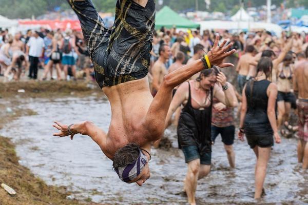 Image: Przystanek Woodstock 2013: Zabawy w błocie - Galerie - Przystanek ...
