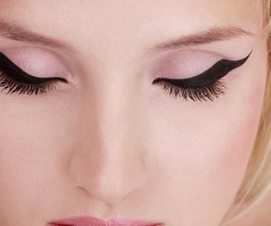 10 błędów, których powinnaś unikać podczas malowania się eyelinerem