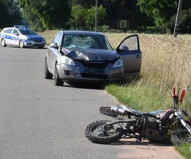 10-latek prowadził motocykl. Teraz walczy o życie