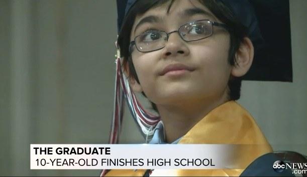 10-latek skończył liceum, źródło: ABC News /