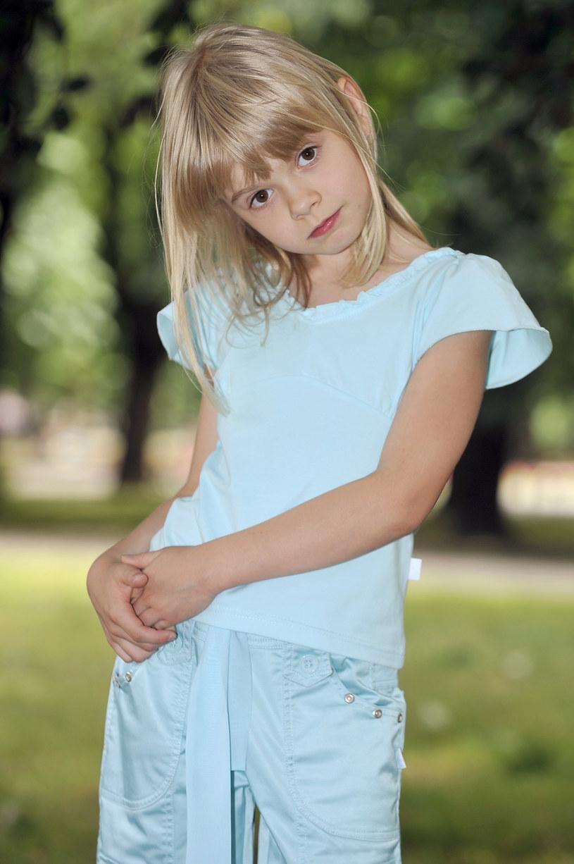 """10-letnia Julia Wróblewska na planie """"M jak miłość"""" /AKPA"""