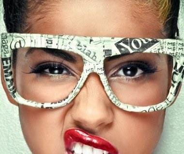 10 makijażowych wskazówek dla dziewczyn noszących okulary