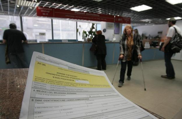 10 marca 2011 r. urzędy skarbowe będą otwarte dla podatników /fot. Jacek Waszkiewicz /Reporter