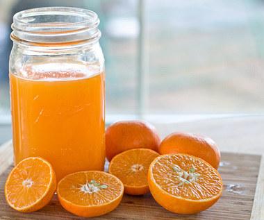10 niesamowitych korzyści soku ze świeżo wyciśniętej pomarańczy