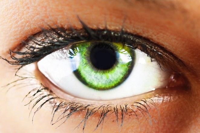 10 przekąsek, które zmienią twój kolor oczu w 60 dni /© Photogenica