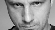 "10 pytań: Rysownik Marek Oleksicki i komiks ""Bradl"""