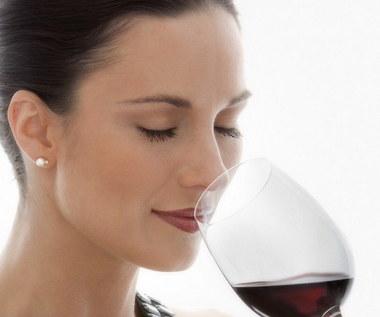 10 zaskakujących korzyści zdrowotnych płynących z picia wina