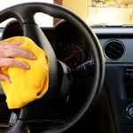 10 zaskakujących trików na posprzątanie i zorganizowanie samochodu
