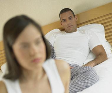 10 znaków, że twój chłopak cię okłamuje