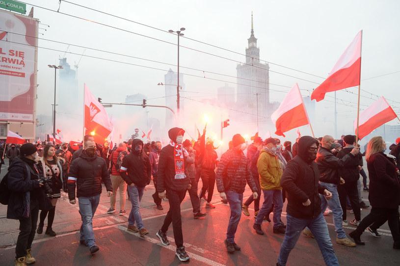 11 listopada ulicami Warszawy przeszedł Marsz Niepodległości /Jan Bielecki/East News /East News