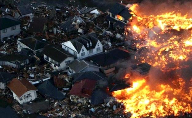 11 marca, Japonia: Trzęsienie ziemi o sile 9 stopni w skali Richtera wywołało ogromne tsunami /AFP