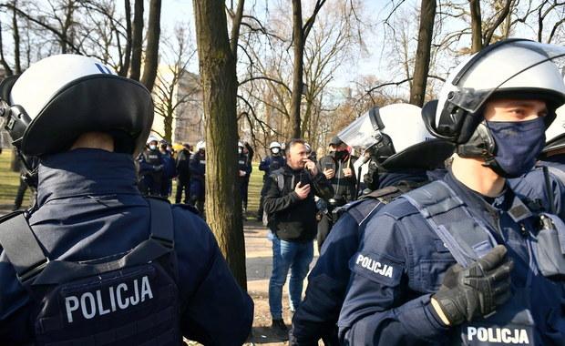 11 osób zatrzymanych, blisko 200 wniosków o ukaranie. Protesty podczas obchodów rocznicy katastrofy smoleńskiej