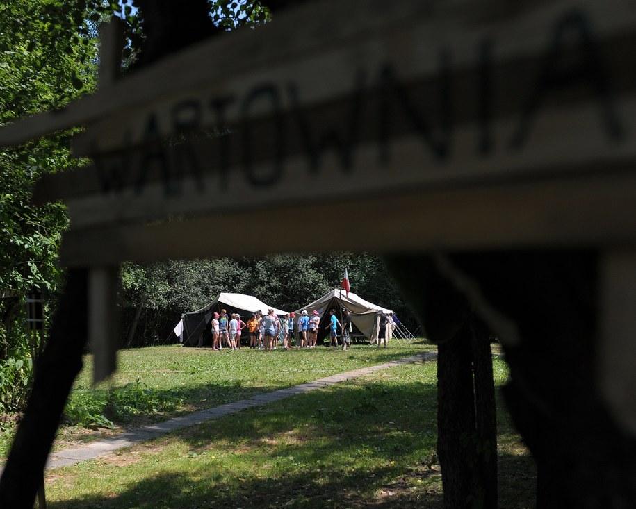 13-latek został odesłany z obozu harcerskiego do domu /Darek Delmanowicz /PAP