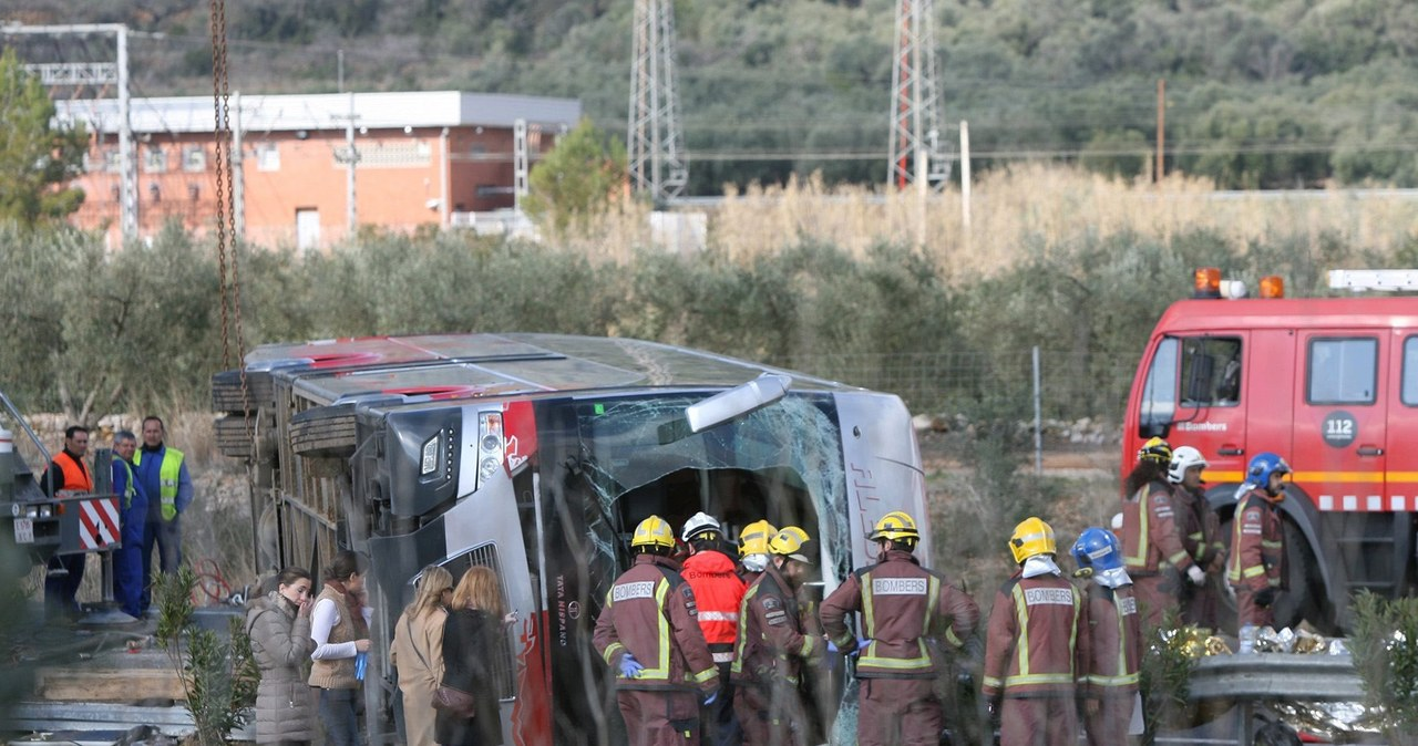 13 osób zginęło w wypadku autobusu w Hiszpanii