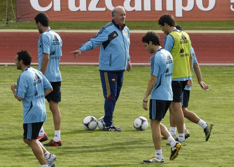 13 piłkarzy Realu i Barcelony jest w reprezentacji Hiszpanii /PAP/EPA